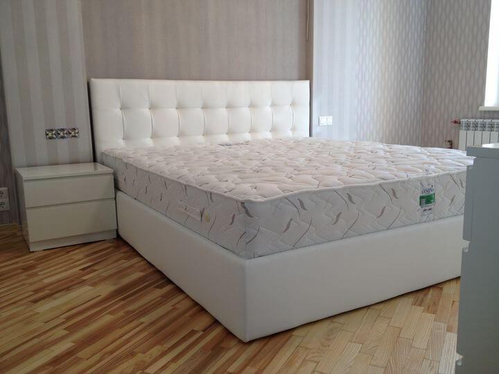двоспальне ліжко в спальню на замовлення