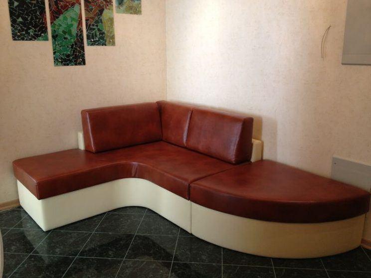 угловой диван в прихожую
