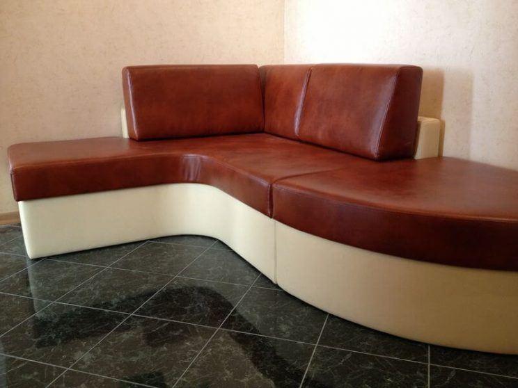 мягкий диван в прихожую