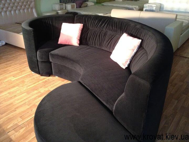 овальний диван
