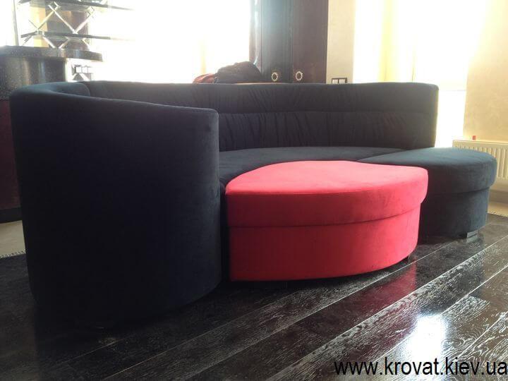 дизайн радиусного дивана в интерьере