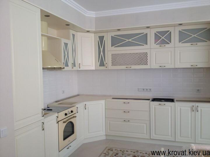 кухни в классическом стиле в интерьере