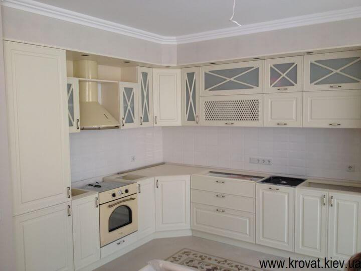 виготовлення кухонь в класичному стилі