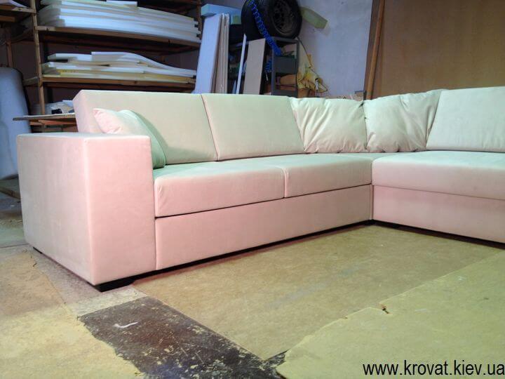 нестандартний кутовий диван на замовлення