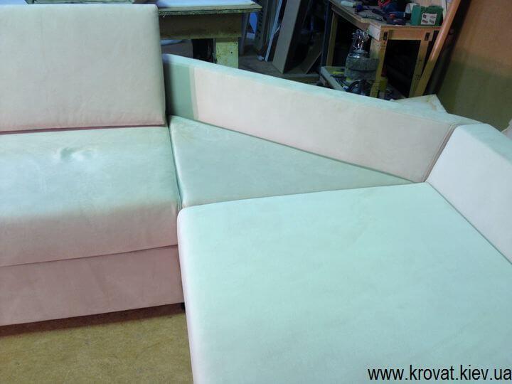 изготовление нестандартных диванов