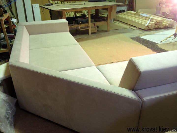 срезанный угол в угловом диване