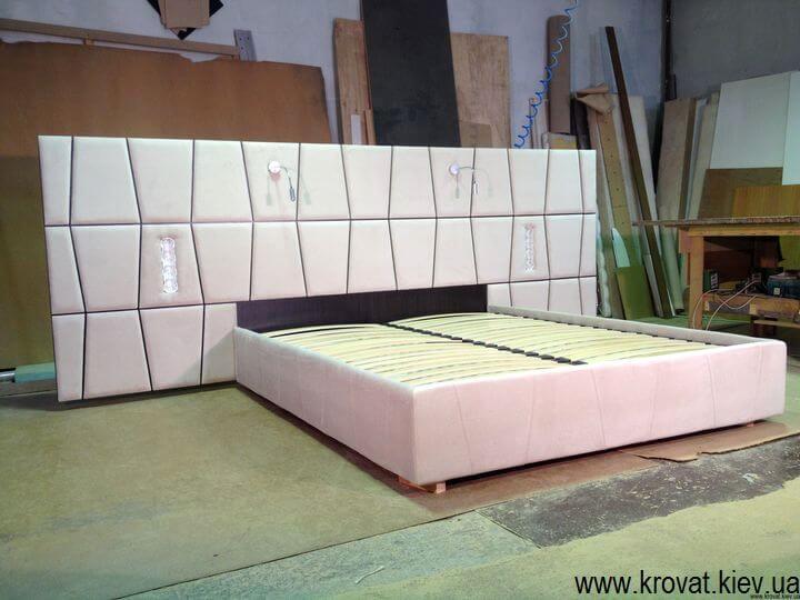 ліжко з широким узголів'ям на замовлення