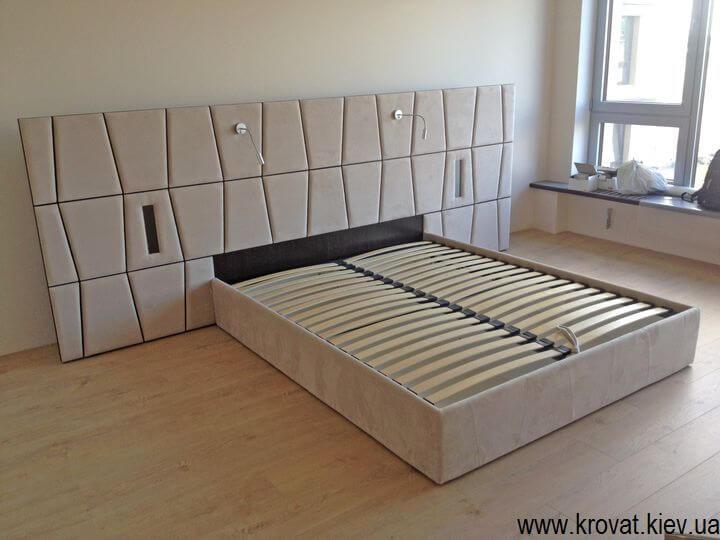 ліжко в інтер'єрі