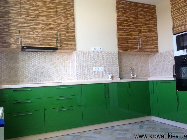 угловая кухня с фасадами из декоративного шпона на заказ