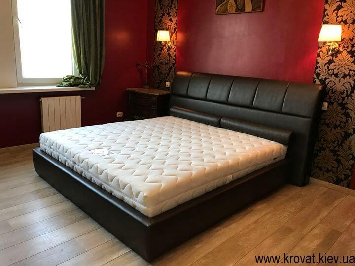 ліжко з м'якою спинкою в спальню