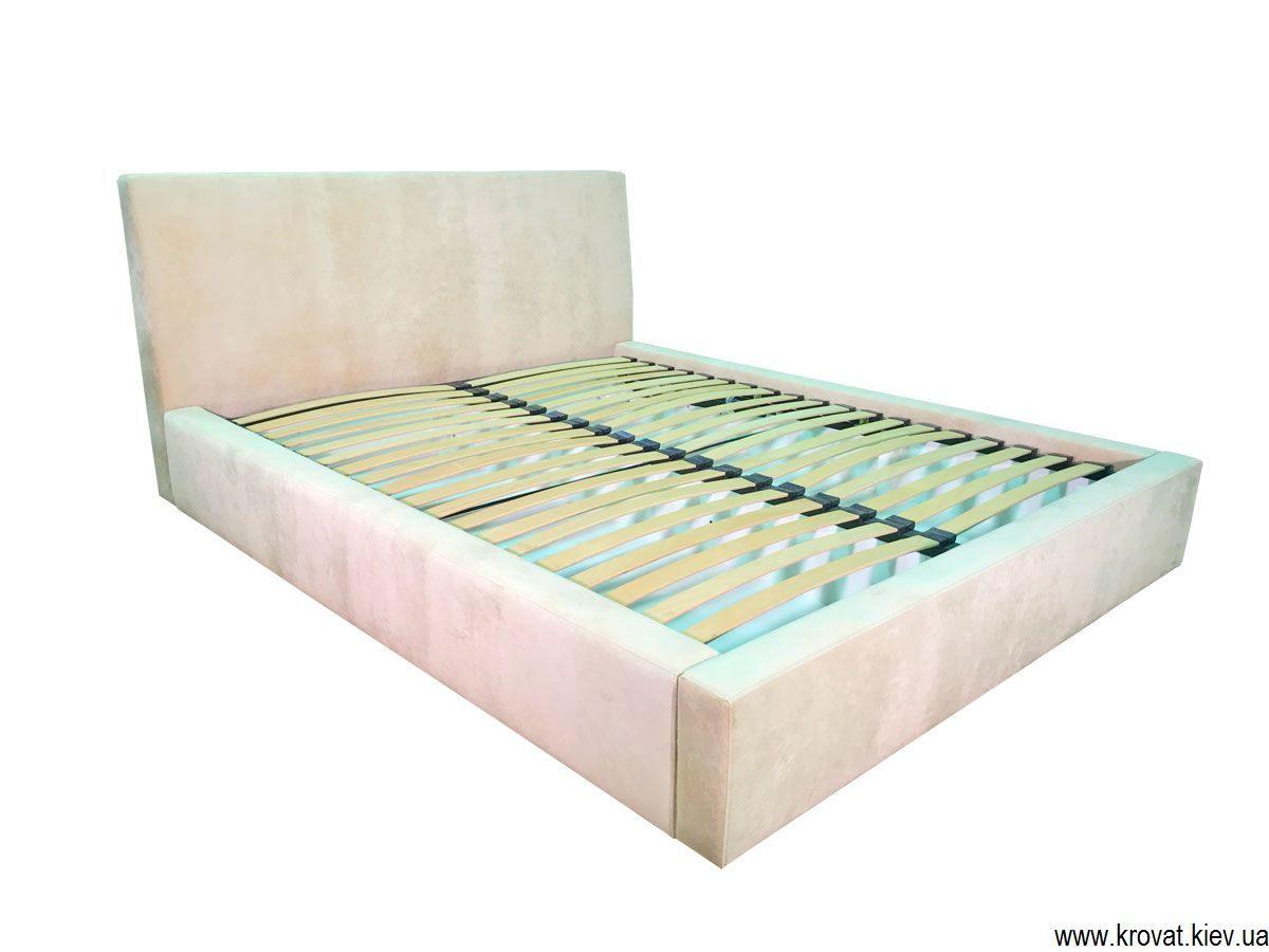 спальне ліжко