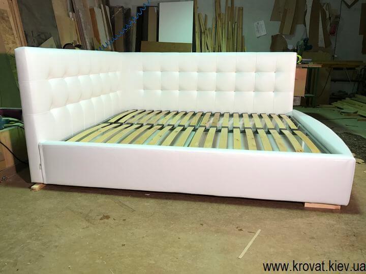 кровать с закруглением на заказ