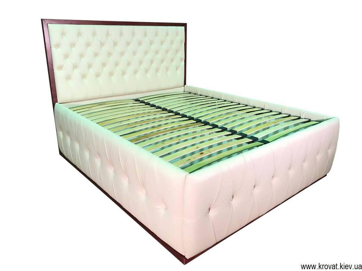 ліжко з високим подіумом