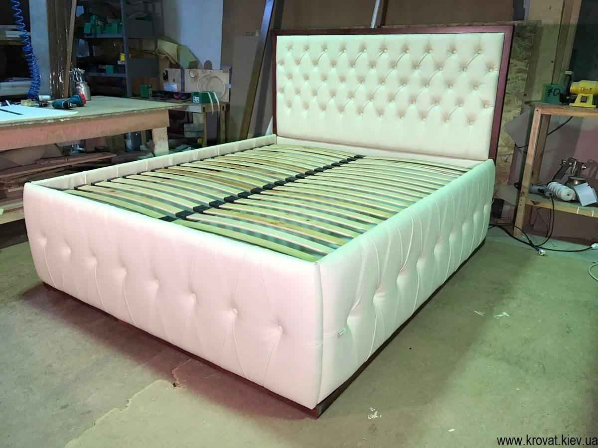 кровать с высоким подиумом в Киеве
