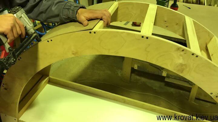 как сделать круглый пуф с каретной стяжкой
