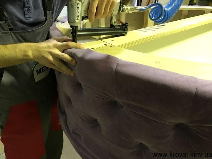изготовление большого пуфа с каретной стяжкой
