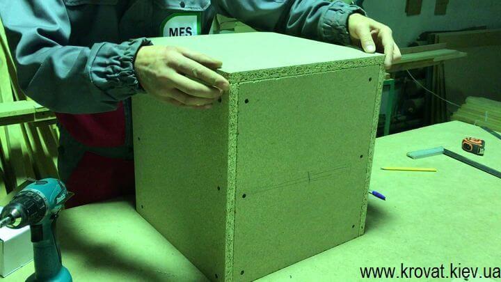 Как сделать квадратный пуф с утяжками самостоятельно