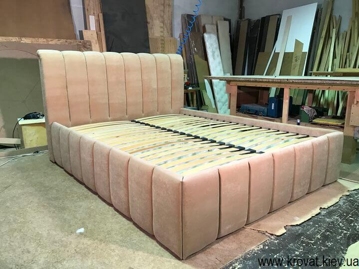 кровать с вертикальными утяжками от производителя