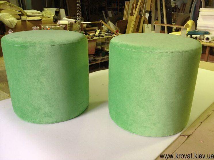 зеленый пуфик
