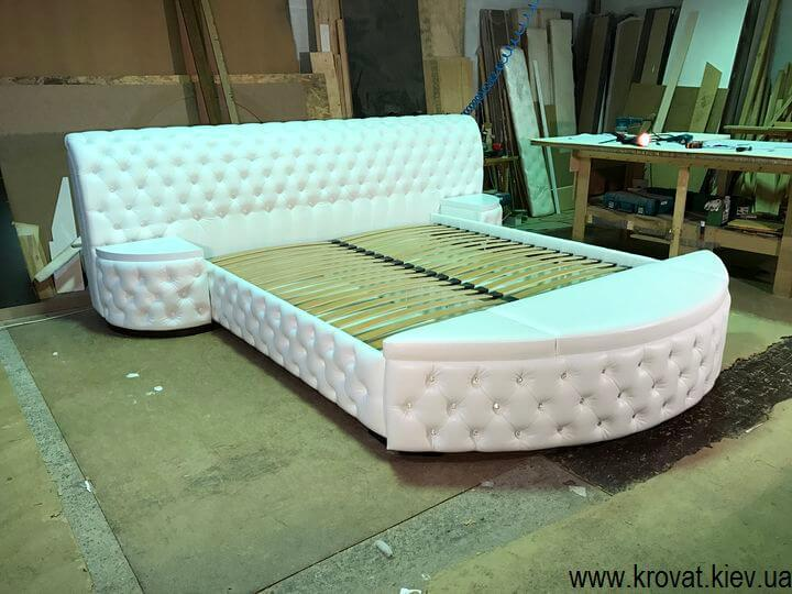ліжко з банкеткою для спальні