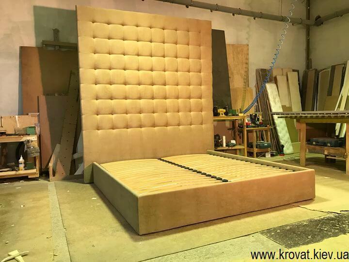 изготовление кроватей с высокой спинкой