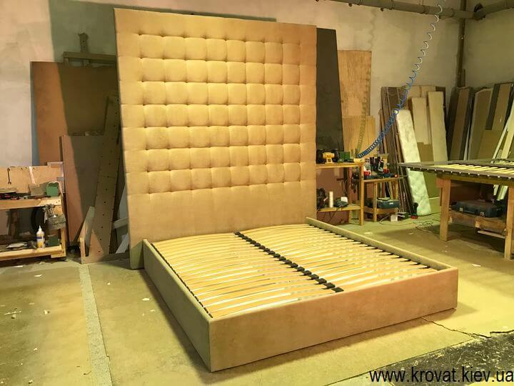 ліжка з високою спинкою на замовлення
