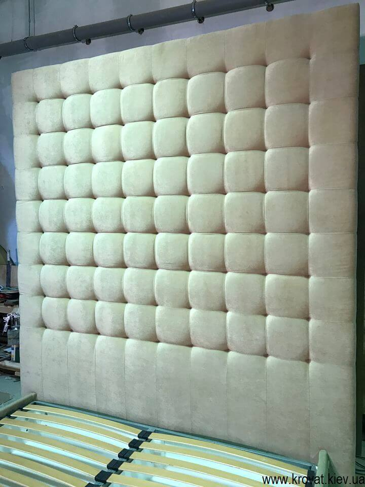 изголовье кровати высотой 240 см