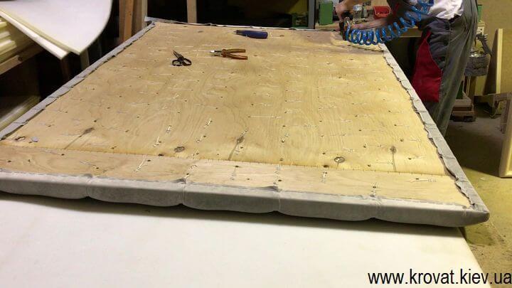 как сделать мягкие панели для стен с пуговицами