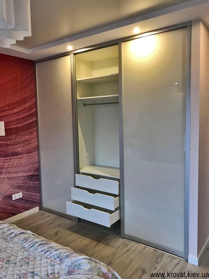 шкаф купе с встроенной гладильной доской в Киеве