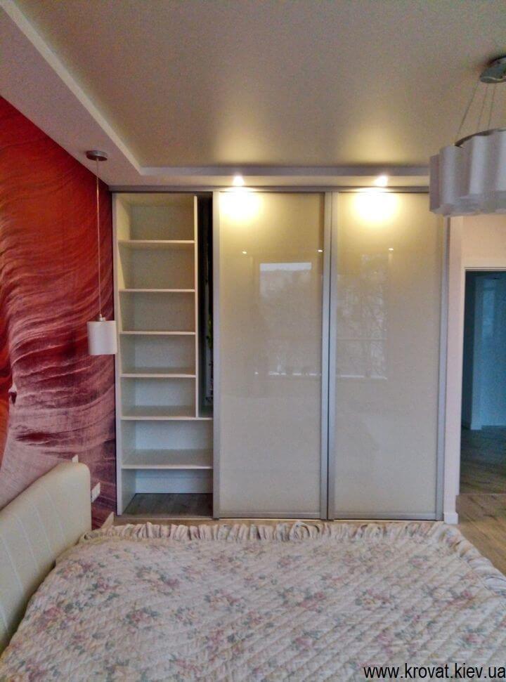 шкафы купе с встроенной гладильной доской на заказ