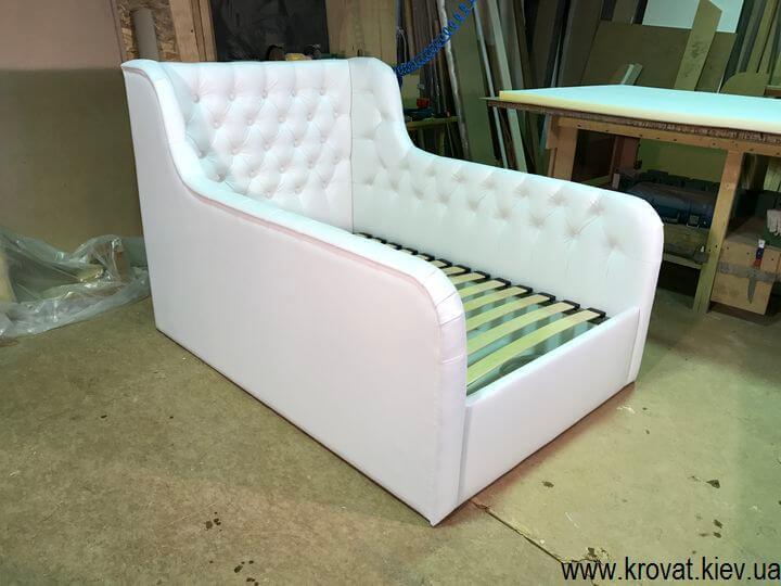 кровать с бортиками от 3 лет