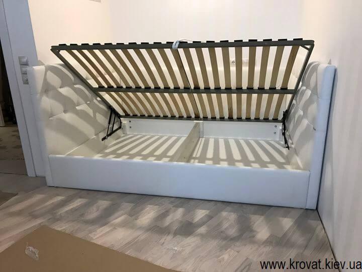 кровать с тремя спинками с подъемным механизмом