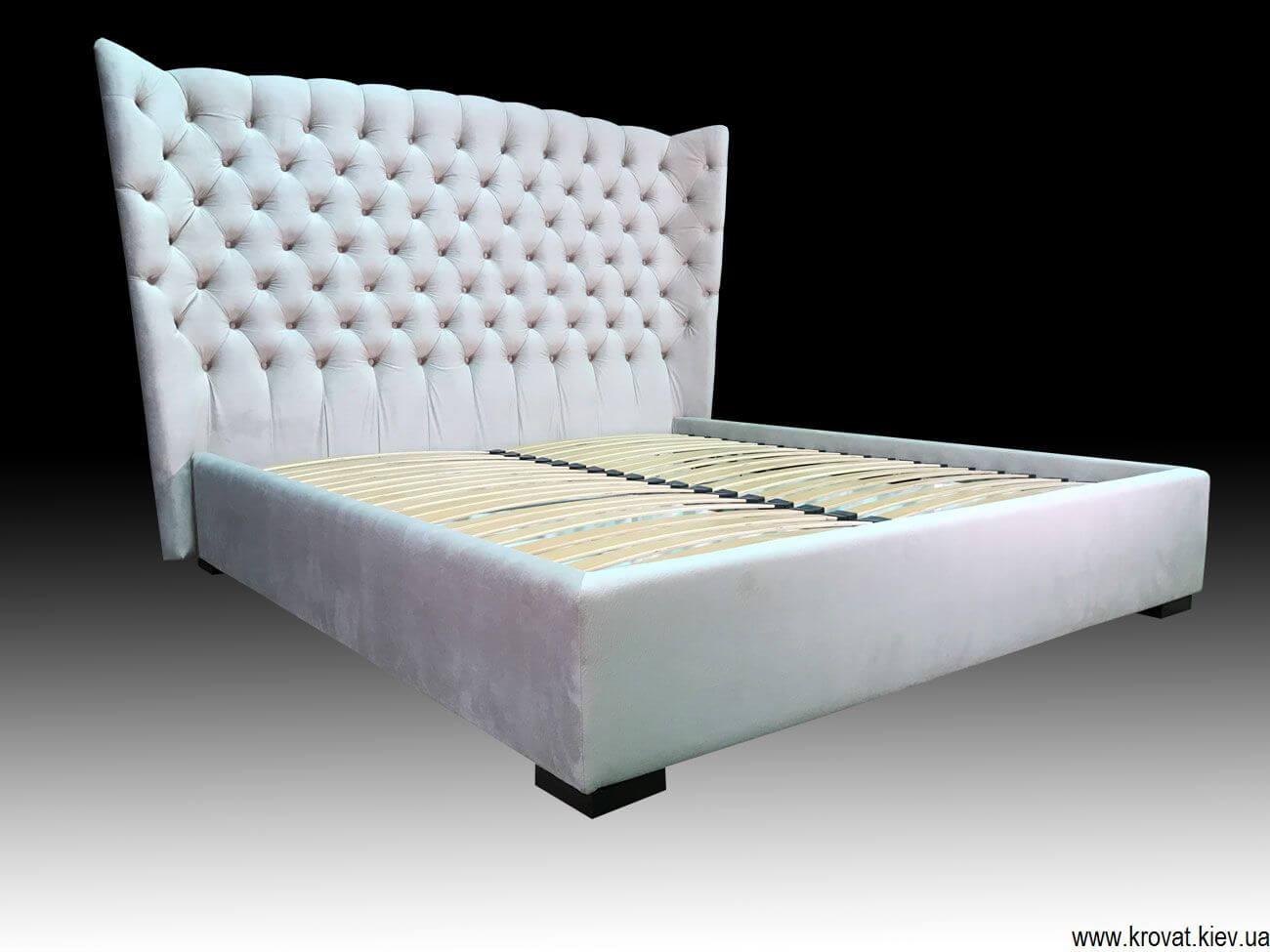 кровать с высокой спинкой и с подъемным механизмом