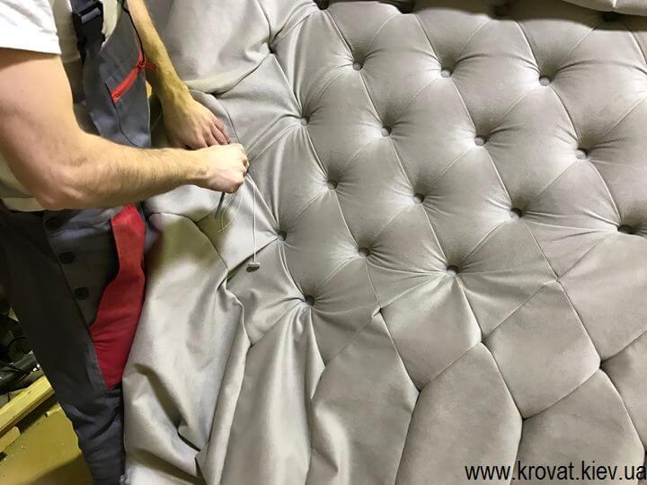 виготовлення ліжок із закругленою спинкою