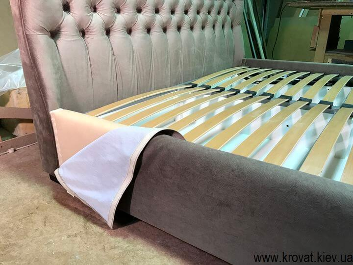 ліжко з заокругленим узголів'ям зі знімним чохлом