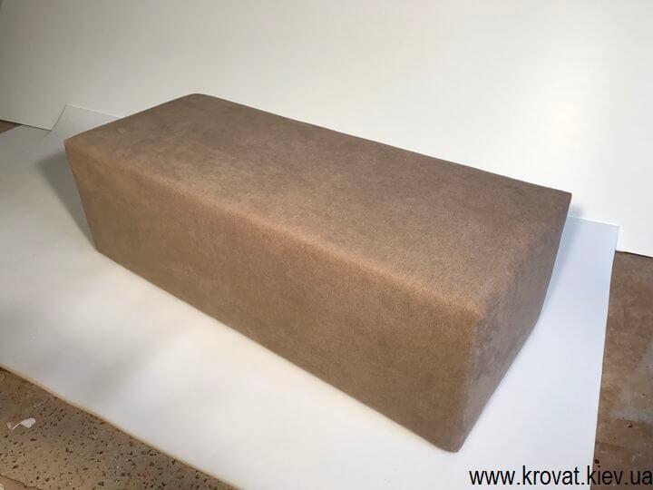 прямоугольный пуфик в ткани