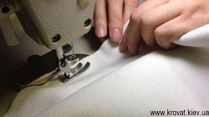 пошив чехла для пуфа из ткани