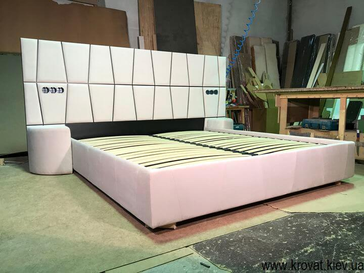 ліжко в стилі модерн