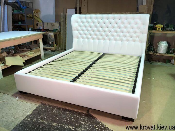 ліжка з вушками