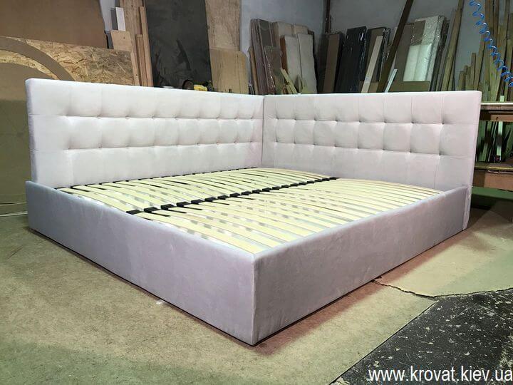 ліжко в кут кімнати на замовлення