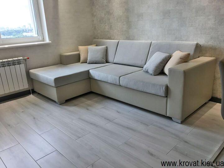 нераскладной угловой диван в кухню студию