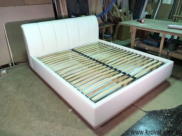 кровать с ортопедическим матрасом в спальню на заказ