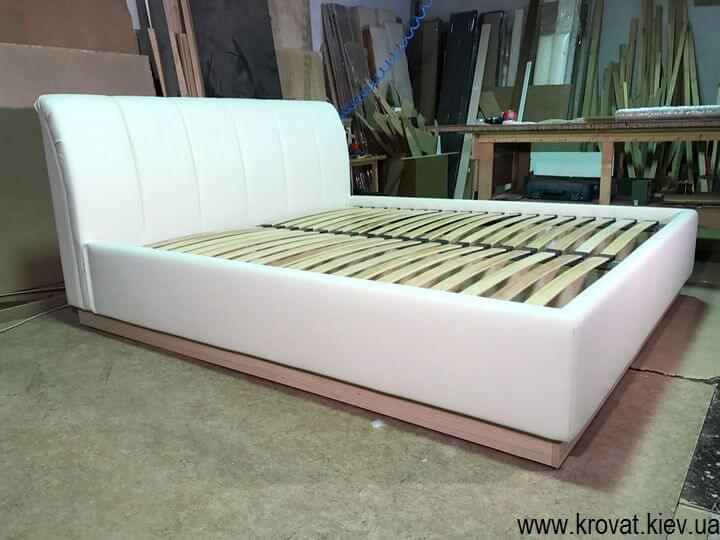кровать с ортопедическим матрасом для спальни на заказ
