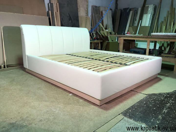 высокая кровать с ортопедическим матрасом на заказ