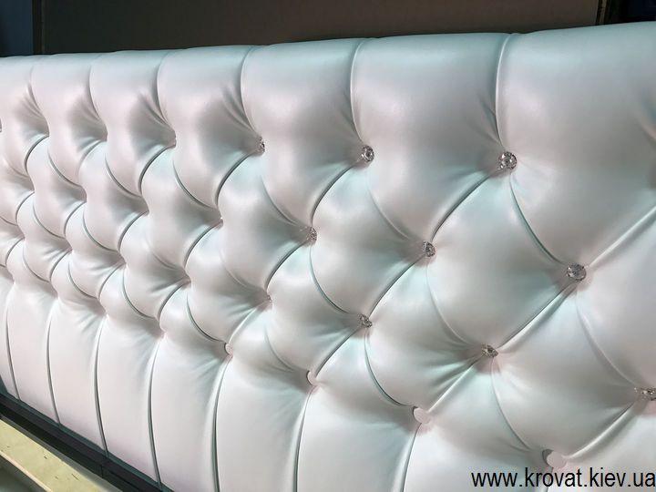 кровать с камнями сваровски
