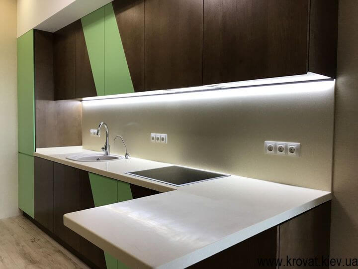 кухня с открыванием фасадов прикосновением