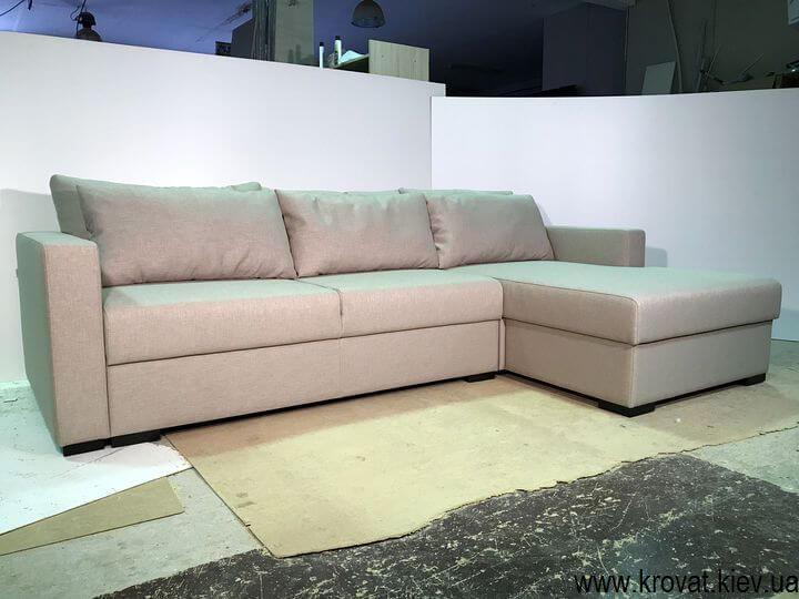 кутовий диван-ліжко з нішею для білизни