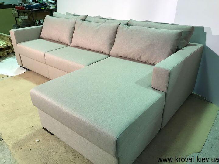 кутовий диван-ліжко з подушками на замовлення