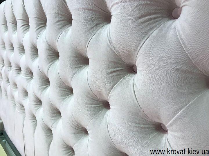 кровать с капитоне в американском стиле на заказ