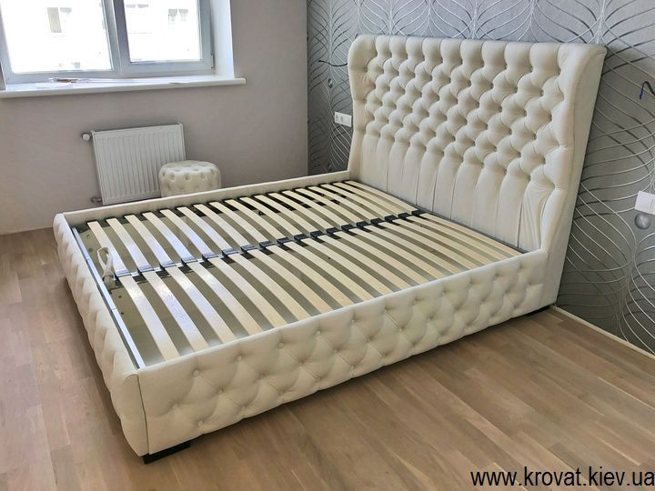 ліжка в спальню на замовлення з капітоне